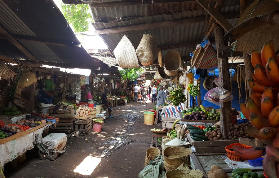 Local fruit and vegetable market in Mto wa Mbu