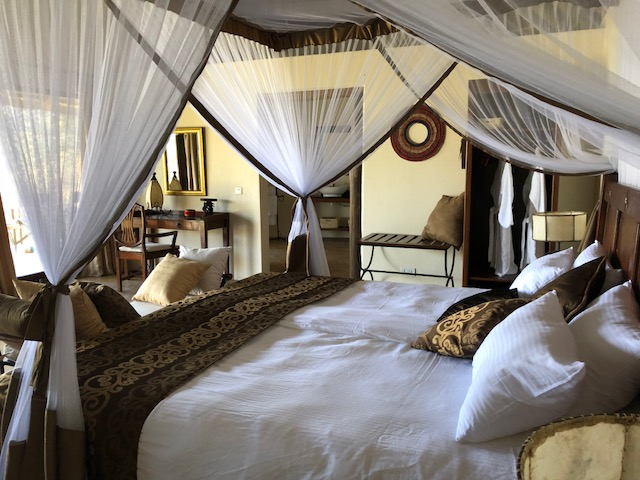 Migombani Private Cotage with kingsize bed